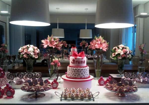 mesa de aniversario elegante