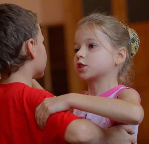 Os benefícios da dança infantil são imensos, além de ser uma atividade física muito prazerosa de ser feita (Foto: Divulgação)