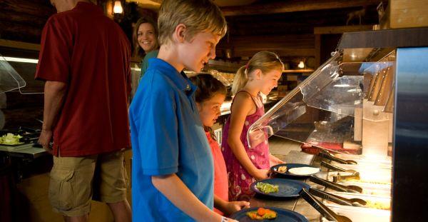Pesquise e, principalmente contrate, com cuidado buffet infantil para a festinha de aniversário de seu filho (Foto: Divulgação)