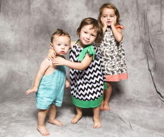 A roupa infantil para usar no 1° aninho deve ser escolhida com muito cuidado pelas mães (Foto: Divulgação)