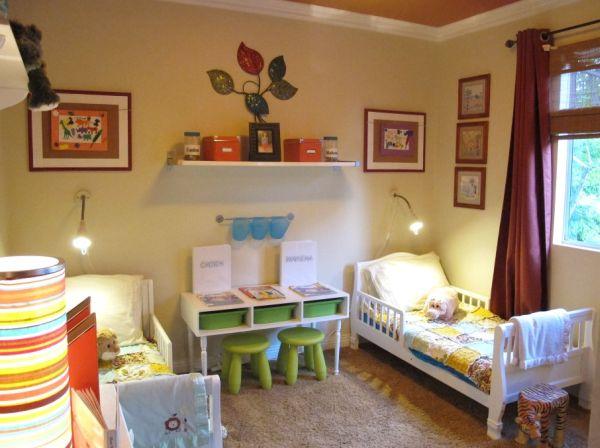 Decorar quarto infantil com prateleiras pode ser a saída para quem quer mais espaço, porém está com orçamento apertado (Foto: Divulgação)