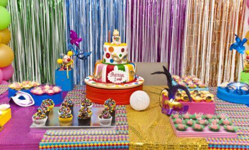Para decorar uma festa de carnaval infantil basta utilizar muita criatividade (Foto: Divulgação)