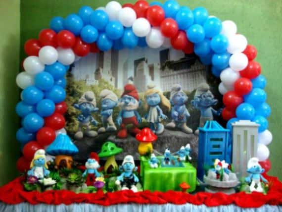 A decoração de festa infantil tema Smurfs pode tanto ser usada por meninas quanto usada por meninos (Foto: Divulgação)