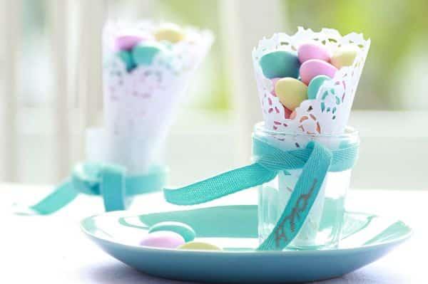 Faça este cone infantil rendado para decorar de forma delicada a sua festinha ou confraternização (Foto: casa.abril.com.br)