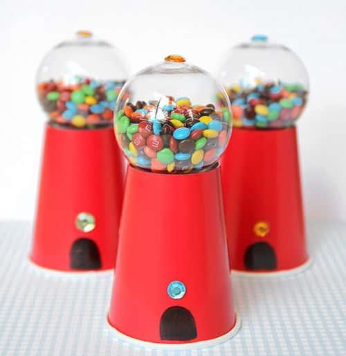 Com este baleiro para festa infantil o aniversário de seu filho vai ficar muito mais charmoso (Foto: livinglocurto.com)