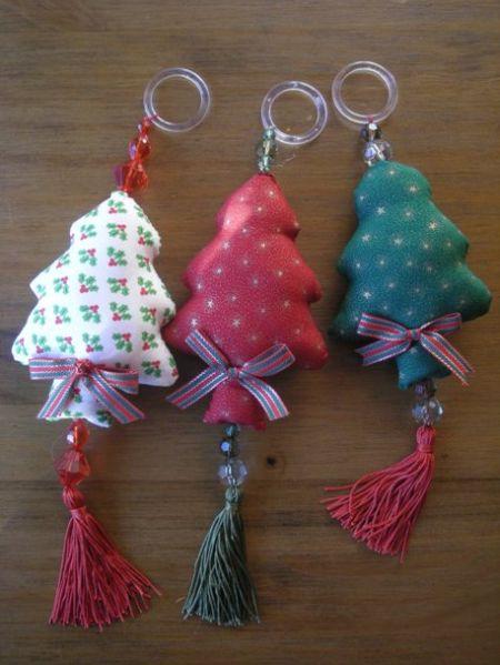 Decore todos os cantinhos de sua casa com esse enfeite de Natal para pendurar na porta (Foto: wp.clicrbs.com.br)
