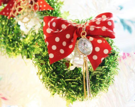 Esta miniguirlanda para decorar pode ficar em qualquer lugar (Foto: positivelysplendid.com)