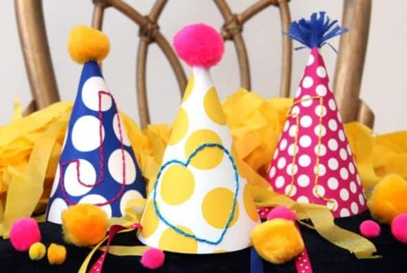Suas crianças vão adorar este chapéu de festa customizado (Foto: studiodiy.com)