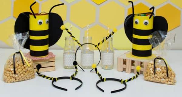 Estes enfeites para festa infantil abelhinha vão deixar a sua festinha temática muito mais divertida (Foto: kixcereal.com)