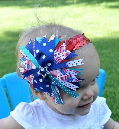 Headband para bebê com fitas faz o maior sucesso entre todos (Foto: bombshellbling.com)