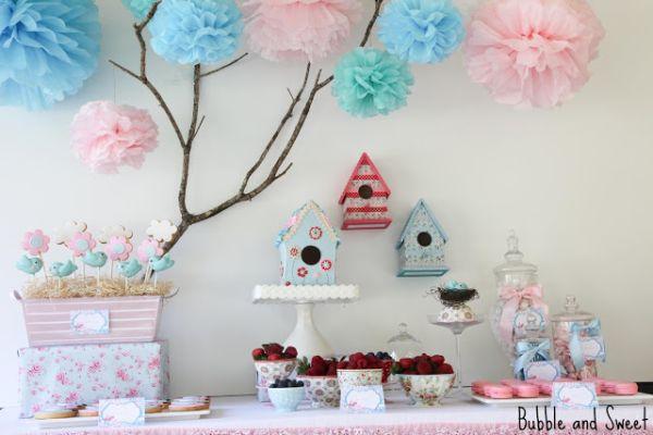 A decoração de festa infantil tema passarinhos é aposta certeira para meninos e meninos (Foto: mummyslittledreams.com)