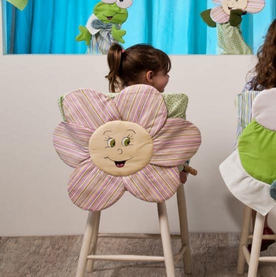 Enfeite de cadeira com tecido deixa qualquer ambiente mais divertido (Foto: amari02.ru)