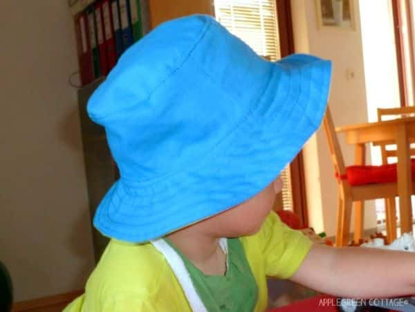 Faça este chapéu infantil de tecido também para vender (Foto   applegreencottage.blogspot. b6d377db71f