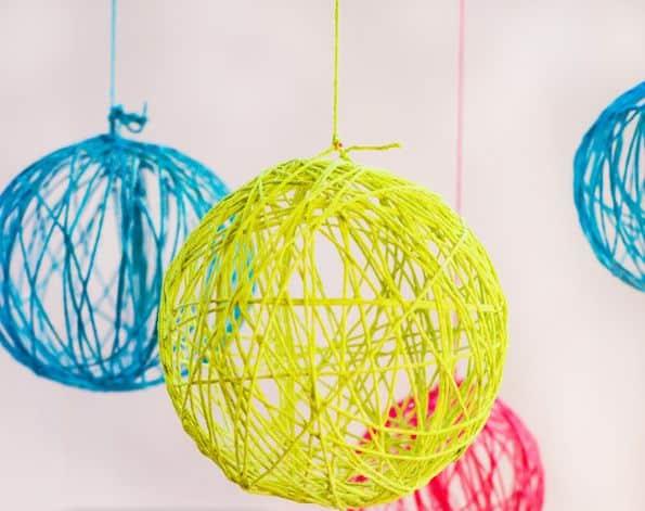 Bolas decorativas para festa infantil podem ser multicoloridas (Foto: thedailyquirk.com)