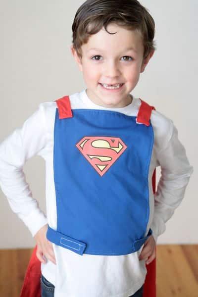 Esta capa de Super-Homem vai deixar a sua criança muito feliz e animada (Foto: itsalwaysautumn.com)