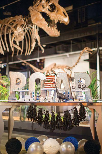 Decoração de festa infantil tema dinossauro é linda e pode ser muito barata (Foto: blog.hwtm.com)
