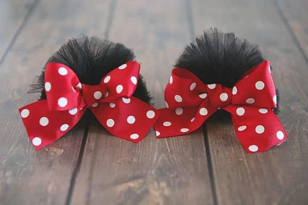A sua menina vai adorar estas presilhas de cabelo da Minnie (Foto: eighteen25.com)