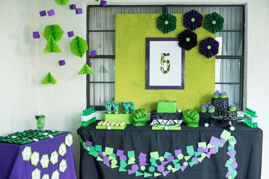 Festa infantil com tema Hulk é diferente e os meninos adoram (Foto: brendabirddesigns.com)