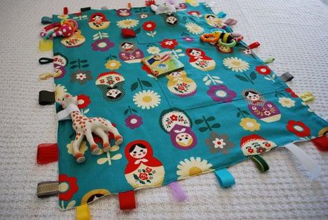 Este divertido tapete infantil pode ter os detalhes que você quiser (Foto: merrimentdesign.com)