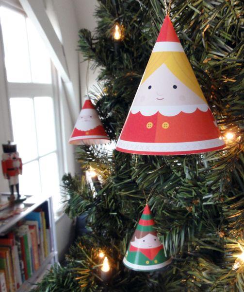 Aposte em cones infantis para árvore de Natal para diferenciar o seu espaço no final do ano (Foto: studiomomoki.nl)