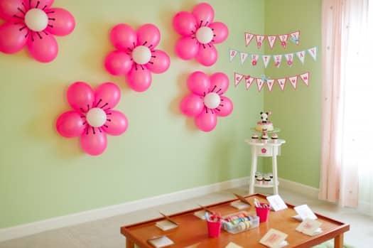 Esta flor com balões para festa infantil pode ter as cores que você desejar (Foto: paperglitter.com)