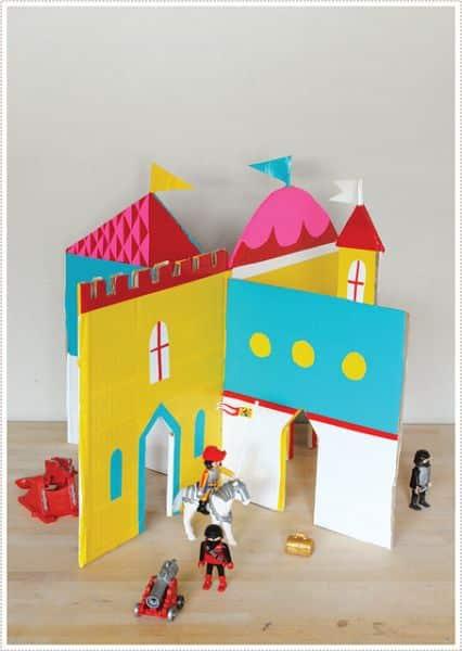 Este castelo de papelão para brincadeira infantil encanta meninos e meninas (Foto: mermag.blogspot.com.br)