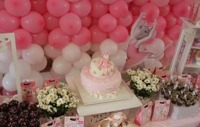 A decoração de festa infantil tema Angelina Ballerina pode ser escolhida por crianças de todas as idades (Foto: rosadoces.com.br)