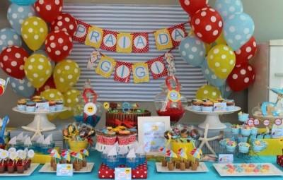 Sua criança vai adorar uma decoração de festa infantil tema praia (Foto: pragentemiudacriacoes.com.br)