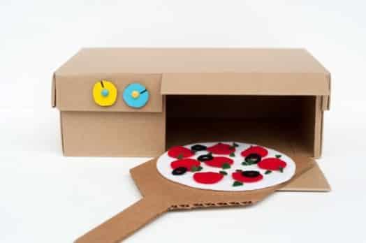 Esta ideia de artesanato infantil com caixa de sapato é divertida e barata (Foto: madebyjoel.com)