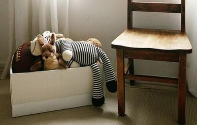 Este organizador de quarto infantil com caixas de papelão pode ter o estilo que você desejar (Foto: elizabethjoandesigns.com)