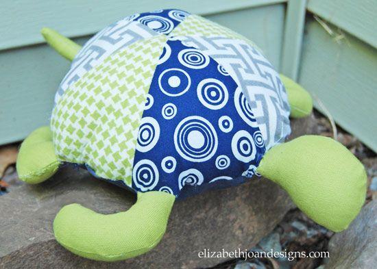 A sua criança vai ficar encantada com esta tartaruga infantil de tecido (Foto: elizabethjoandesigns.com)