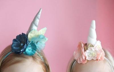 Enfeite infantil de unicórnio para cabelo é ótima opção para incrementar as brincadeiras (Foto: ehow.com)