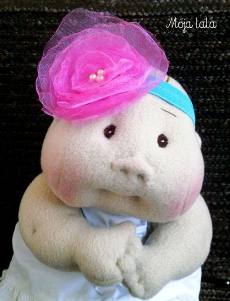 Headband infantil com rosa de organza faz sempre o maior sucesso (Foto: srebrnaagrafka.pl)