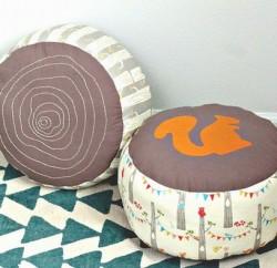Este puff infantil pode também ter outros detalhes de sua preferência (Foto: birchfabrics.blogspot.com.br)