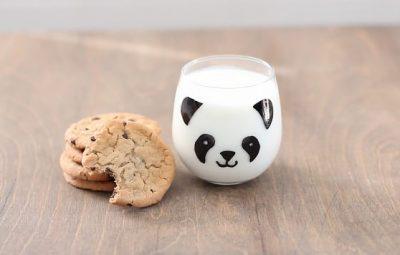 Personalizando copo para crianças elas vão ficar animadíssimas (Foto: ehow.com)