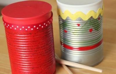 Tambor infantil feito com reciclagem é divertido e barato (Foto: makeandtakes.com)