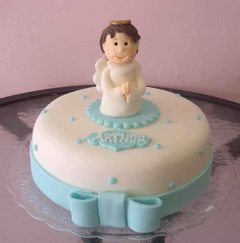 bolo para batizado menino