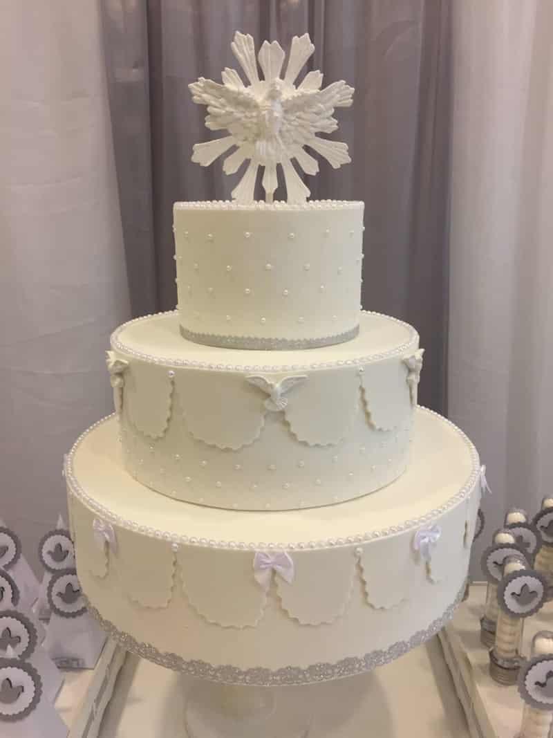 bolo para batizado lindo