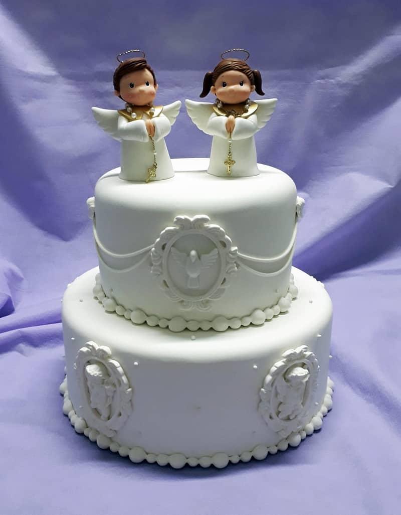 bolo para batizado elaborado