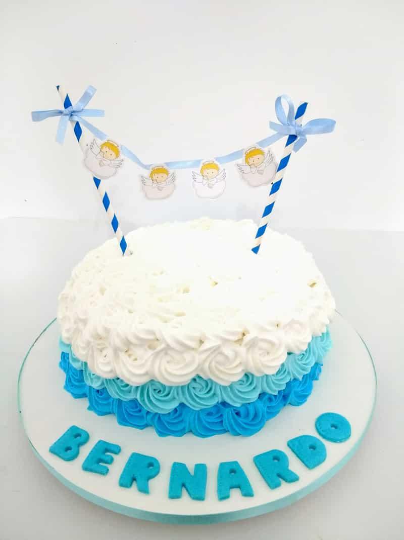 bolo para batizado bonito