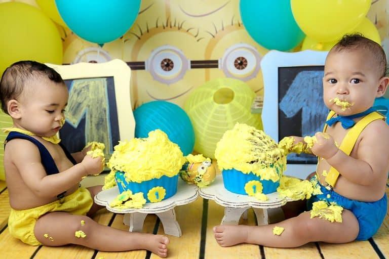 Smash the cake minions