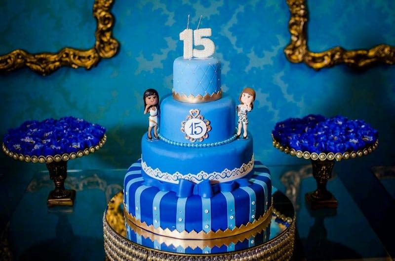 bolo 15 anos azul