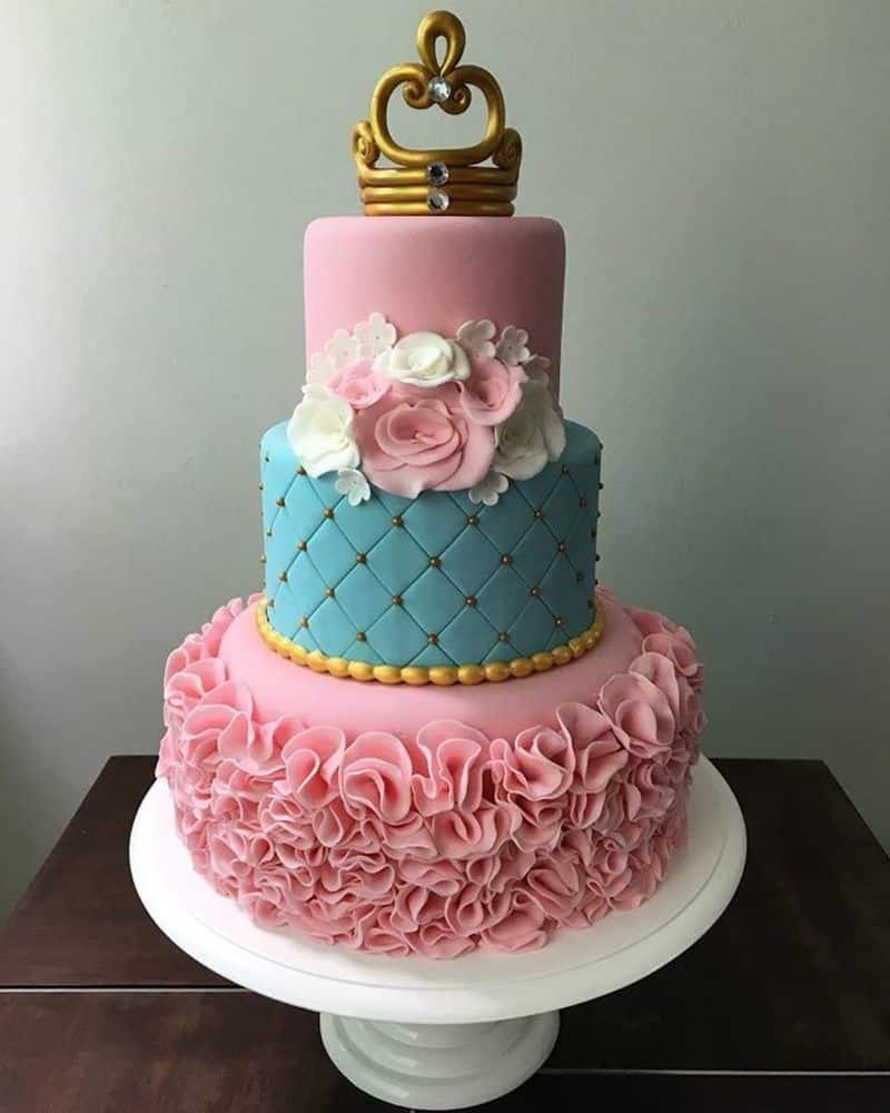 bolo rosa com azul