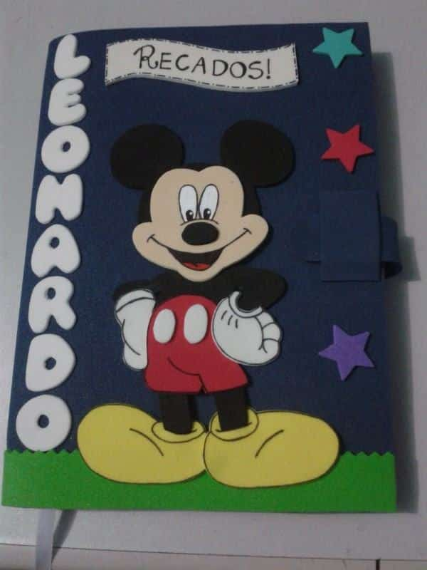 capa de caderno mickey