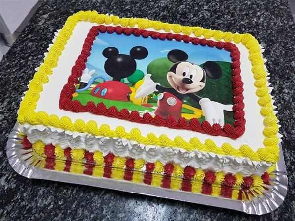 bolo do mickey vermelho e amarelo
