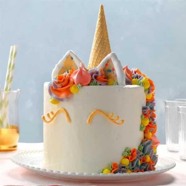 bolo de unicórnio de chantilly
