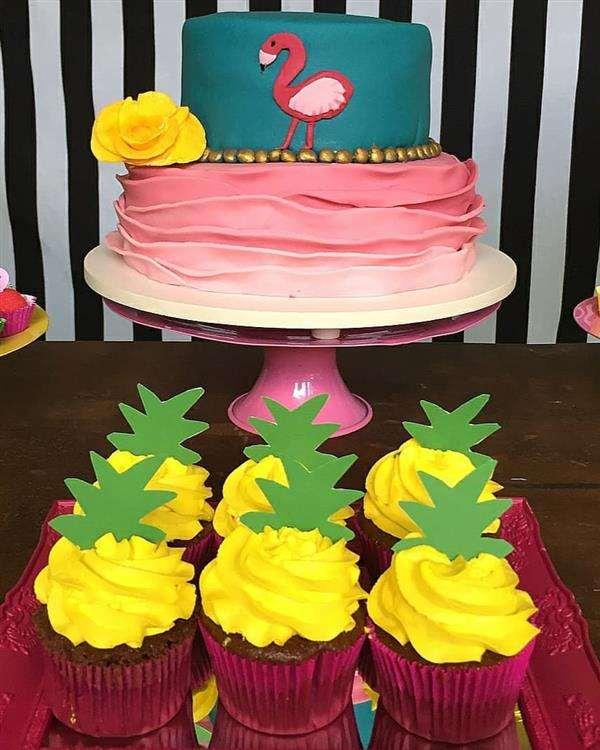 bolo 2 andares rosa e azul