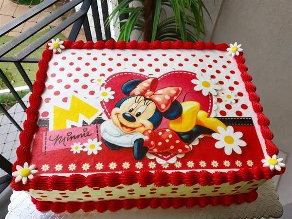 bolo da minnie branco e vermelho