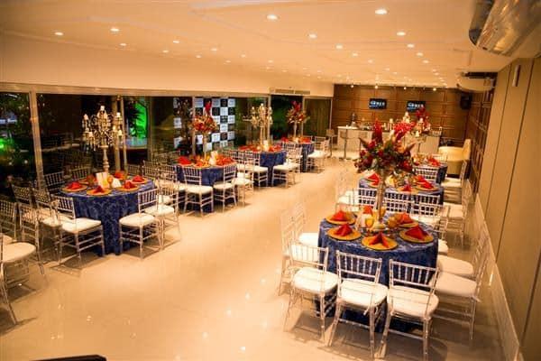 mesa dos convidados tema branca de neve