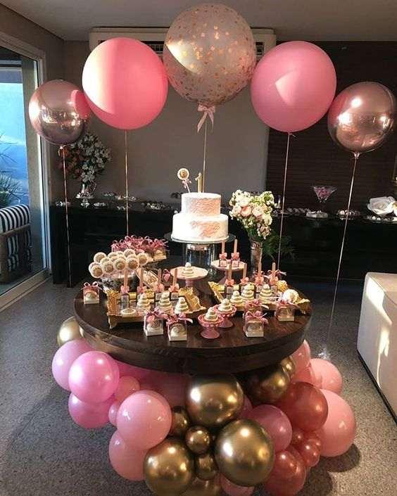 festa infantil simples com baloes rosa